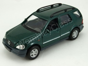 Mercedes-Benz M-Class 1:34-39 model WELLY