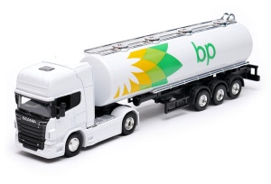 ciężarówka Scania V8 R730 cysterna BP 1:64 model WELLY