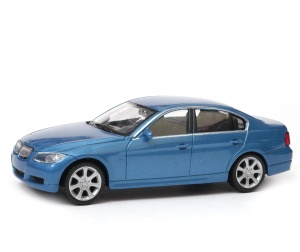 BMW 330i  - model Welly skala 1:43