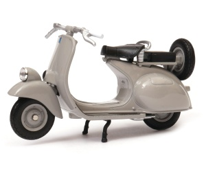 Vespa 125CC 1:18 model WELLY